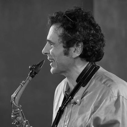 http://pierpaoloiacopini.com/wp-content/uploads/2012/12/Pier-Paolo-Iacopini-Saxofono-2016.jpg