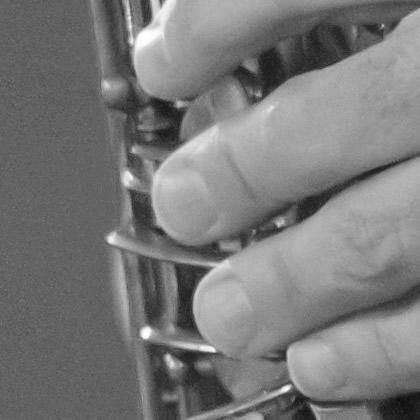 http://pierpaoloiacopini.com/wp-content/uploads/2016/02/saxofono-mano.jpg